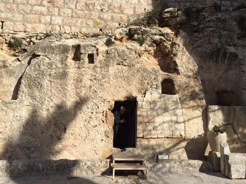 Holy Week Jesus TOmb